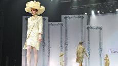 Модели на подиуме во время шоу Вячеслава Зайцева. Архивное фото