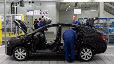 Сборка автомобиля Hyundai Solarisю. Архивное фото