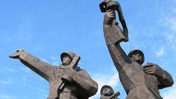 Памятник Освободителям Риги. Архив