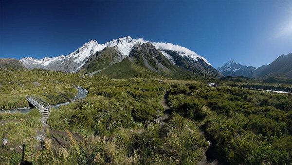 Туристка выжила вгорах новоиспеченной Зеландии, проведя там месяц после смерти друга