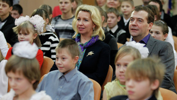 Президент РФ Д. Медведев с супругой Светланой посетили детский дом в Иваново