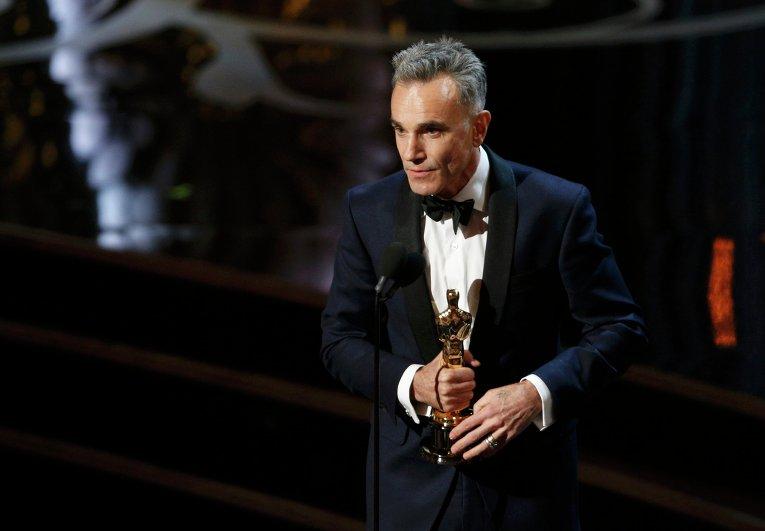 Дэниел Дэй-Льюис получил Оскар в номинации Лучшая мужская роль за фильм Линкольн