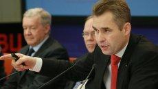 Астахов показал документы расследования гибели Максима Кузьмина в США