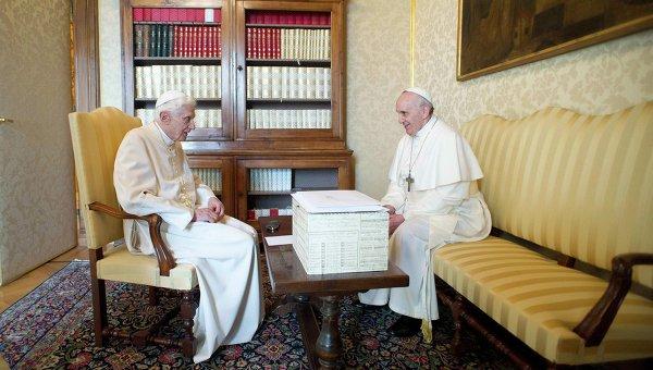 Встреча Франциска и Бенедикта XVI