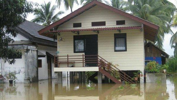 Последствия наводнения в Индонезии. Архивное фото