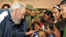 Фидель Кастро на открытии школы в Гаване