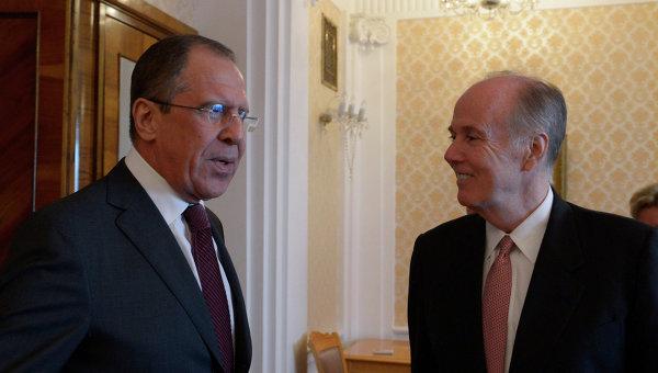 С.Лавров встретился с советником президента США Т.Донилоном