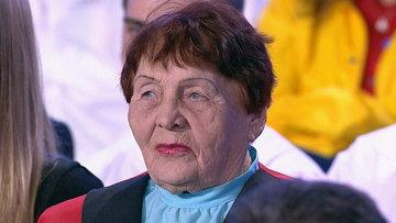 Алевтина Рапацевич во время Прямой линии с Владимиром Путиным