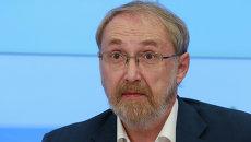 Президент фонда Общественное мнение Александр Ослон. Архивное фото