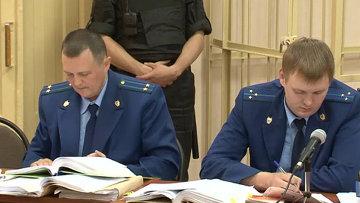 Прокурор по ролям читал в суде записи телефонных переговоров Навального