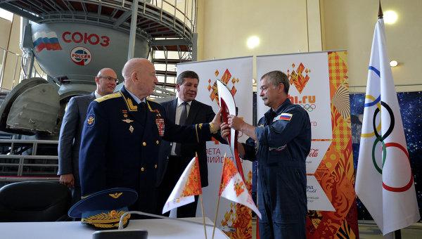 Подписание соглашения Сочи 2014 и Роскосмосом, архивное фото