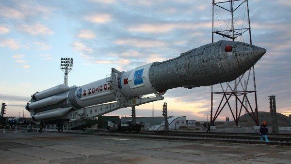 Ракета-носитель Протон М выведет в космос три космических аппарата типа Глонасс-М