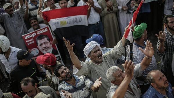 Выступления сторонников Мохаммеда Мурси в Каире. Архив