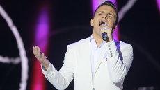 Представитель Белоруссии Александр Соловьев во время участия в XXII Международном конкурсе исполнителей эстрадной песни Витебск-2013