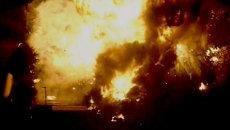 Столб огня поднялся на десятки метров после взрывов на химзаводе в США