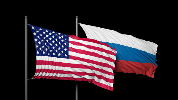 Флаги США и России, архивное фото
