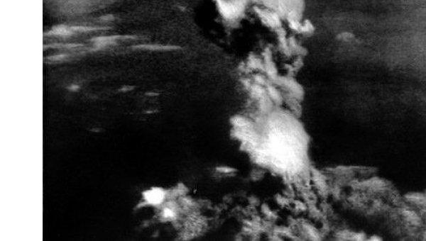 Взрыв атомной бомбы над Хиросимой 6 августа 1945 года