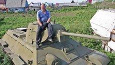 Максим Свекла на башне Т-34.