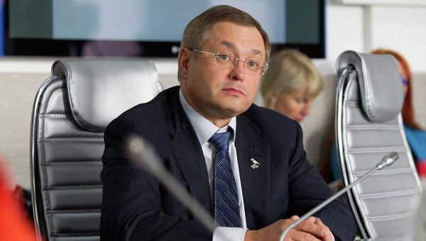 Глеб Фетисов зарегистрирован кандидатом на пост мэра Томска. Фото с места событий.