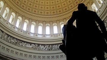 Вид на купол ротонды и статую Джорджа Вашингтона. Архивное фото