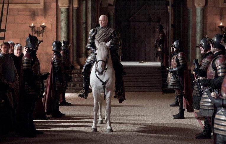 Кадр из сериала Игра престолов. Тайвин Ланнистер