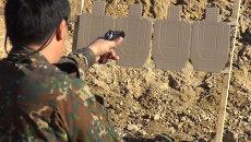 Скоростной стрельбе учатся спецназовцы ГУФСИН во Владивостоке