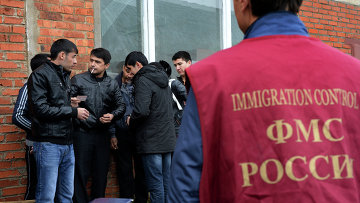 Рейд ФМС по выявлению нелегальных мигрантов. Архивное фото
