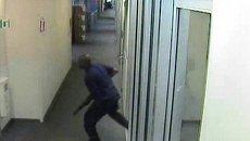 ФБР обнародовало записи камер наблюдения с вашингтонским стрелком
