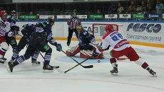 Игровой момент матча Адмирал - ЦСКА во Владивостоке. Фото с места события.