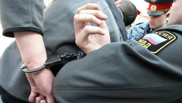 Задержание подозреваемого. Архивное фото