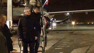 Подозреваемый во взятке мэр Астрахани М.Столяров доставлен в Москву. Фото с места события