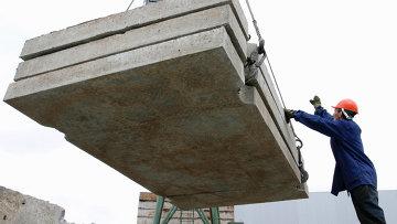 Работа строителей. Архивное фото