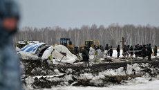 Родственники погибших в результате крушения самолета ATR-72 под Тюменью