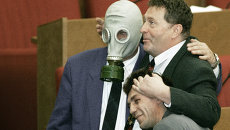 Лидер ЛДПР Жириновский среди коллег во время перерыва в заседаниях Государственной Думы