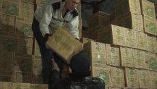 Полиция Приморья несколько часов выносила ящики с алкогольного склада