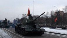 Историческая и современная бронетехника вышла на парад в Петербурге