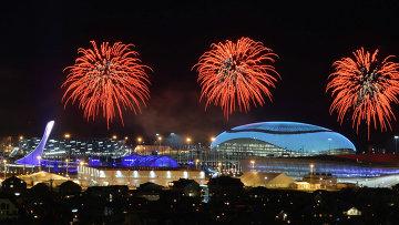 Салют над Олимпийским парком во время генеральной репетиции церемонии открытия