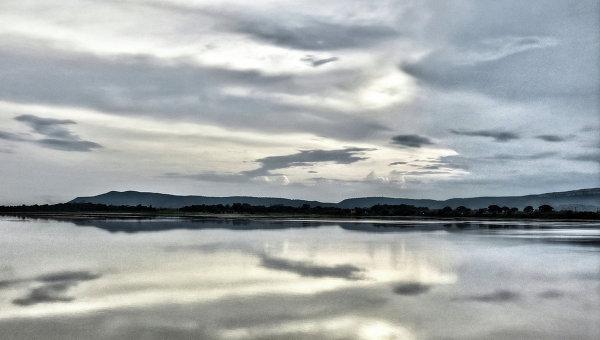 Озеро Хиракуд в индийском штате Орисса, архивное фото