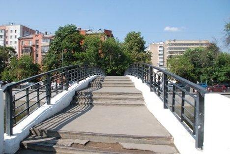 Зверев мост в Москве