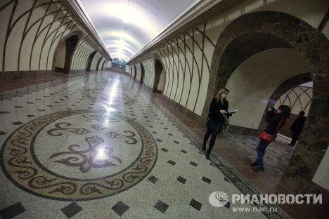 Первые станции и первые пассажиры алмаатинского метро