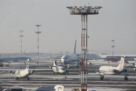 Стоянка самолетов в аэропорту Внуково