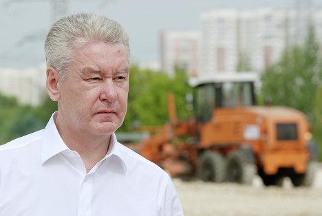 С.Собянин осмотрел строящуюся разворотную площадку для автобусов