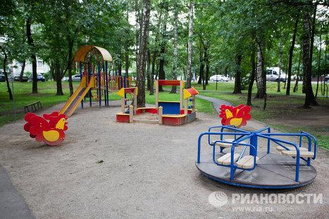 Двор у метро Алтуфьево