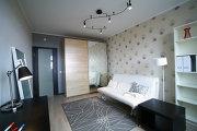 Дизайн квартиры в новостройке, использование декоративных обоев
