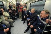 В. Путин и С. Собянин посетили новую станцию Новокосино