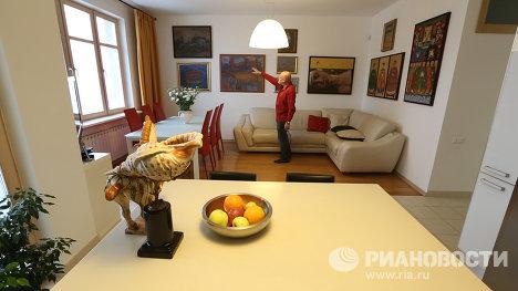 Авторский надзор, не выходя из дома, и другие особенности квартиры архитектора Николая Шумакова