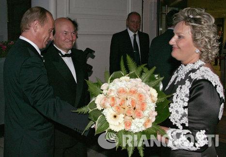 Президент РФ поздравил мэра Москвы с юбилеем