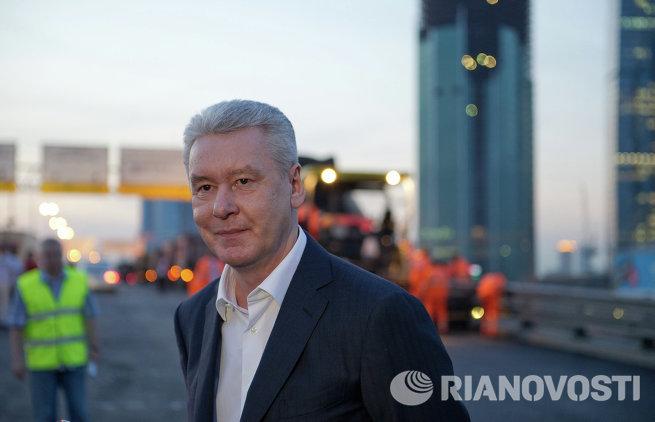 С. Собянин ознакомился с ходом ремонтных работ дорожного полотна