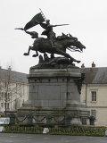 памятник Жанне д'Арк в замке Шинон