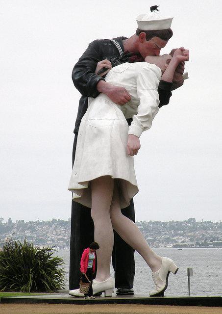 Памятник влюбленным в США